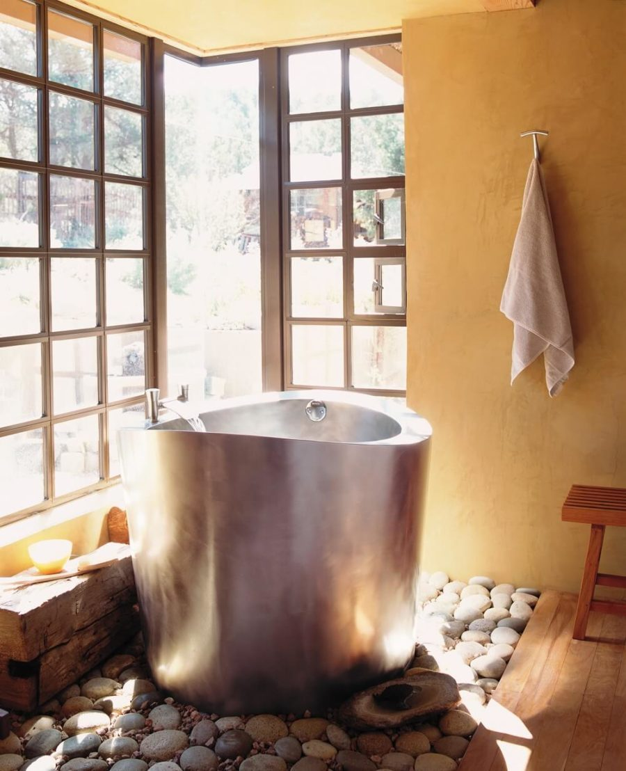Silver Small Japanese Soaking Tub 900x675 19 Japanese Soaking Tubs That Bring the Ultimate Comfort